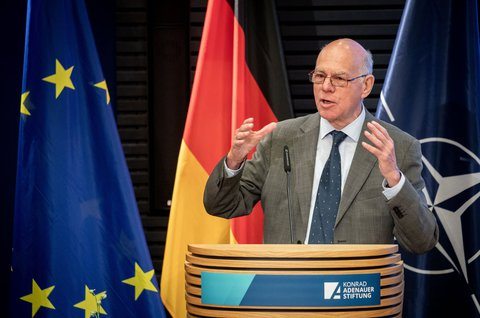 Strong opinion: Norbert Lammert wants the German government to show more solidarity.