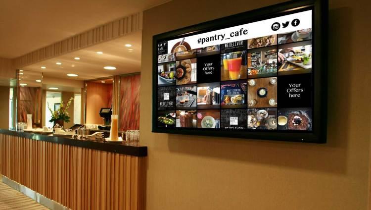 Social wall on screens