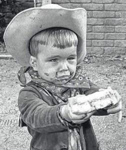 Clint Howard as Leon.