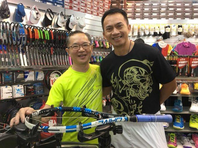 Thailand Tennis Legend, Thanakorn Srichaphan at Sports Report shop at Queensway Shopping Centre