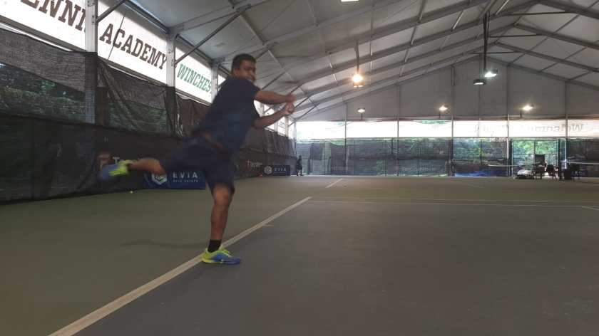 Coach Ten Rapeepat Backhand Finish