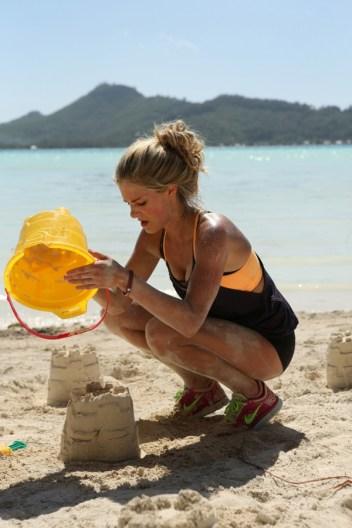 The Amazing Race: Sand Castle Road Block