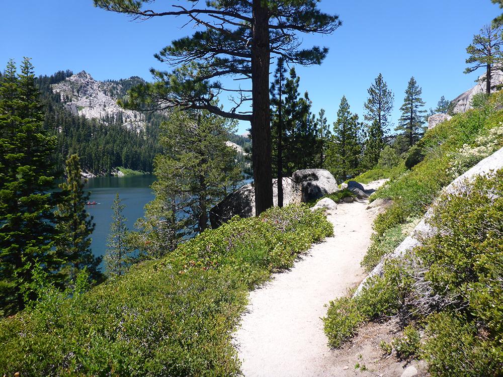 4-Hiking Along Lower Echo Lake