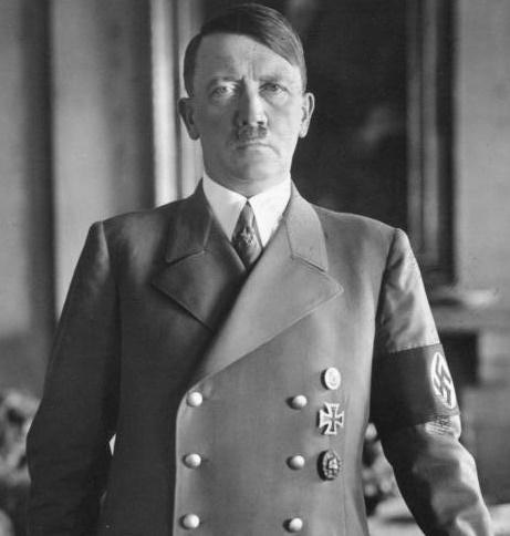 独裁者と呼ばれたヒトラーとの違いは?