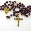 Chapelet en améthyste - crucifix orné de cabochons.