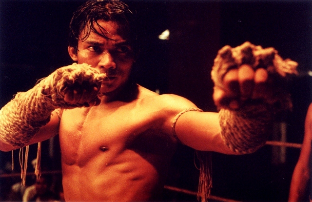Tony Jaa battles in 'Ong Bak'