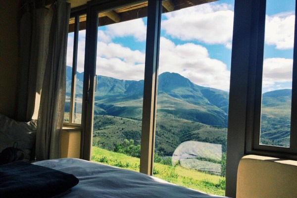 akasha mountain retreat bedroom