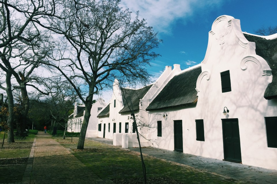 There are 21 different gables on the farm. There is also a range of wines named after these gables: 21 Gables