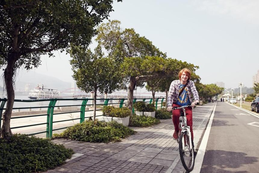 cycle along the riverside bike paths in guandu