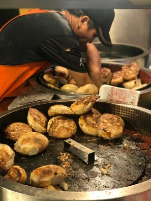 The famous Fuzhou Black Pepper Bun at Raohe Night Market