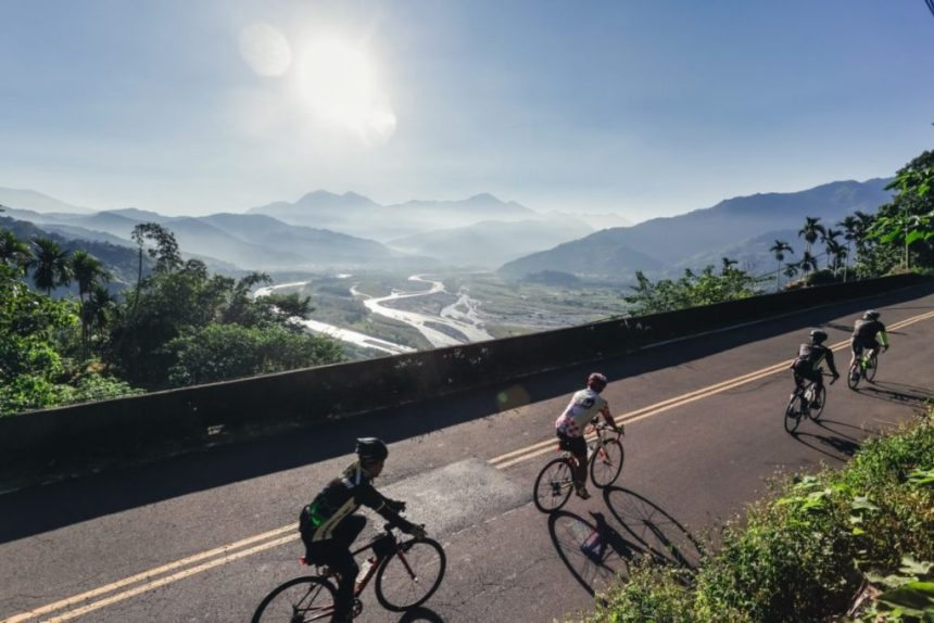 Taiwan_Scene_Taiwan_or_Thailand_Amazing Cycling Road in Taiwan