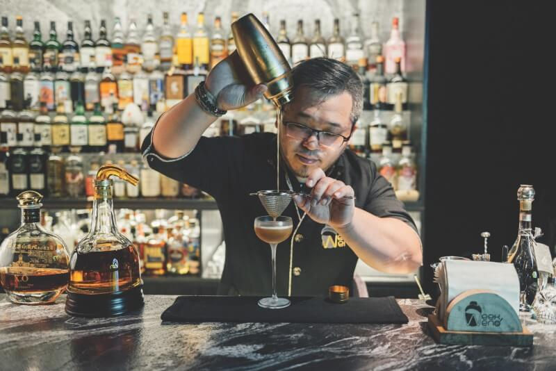 Bar bartender of Bar Weekend in Taipei.