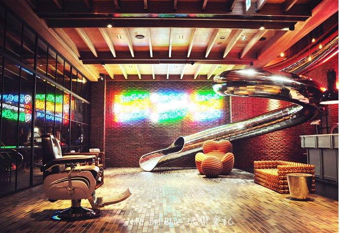 1408351804 4419573542 - 【台中住宿】紅點文旅-27公尺不鏽鋼地表最潮溜滑梯旅店,小孩子的最愛城市新樂園