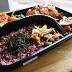 本東素食便當,博館路旁美食,全素料理,超配菜豐盛,讓人吃起來不會臉色菜菜喔!