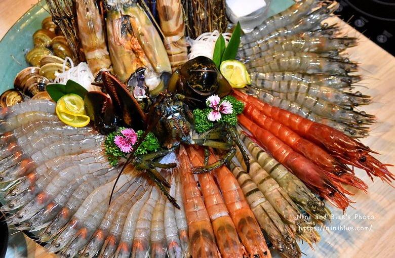【熱血採訪】春花秋實海鮮和牛鍋物 公益路黎明商圈高檔火鍋,超霸氣秋實蝦之宴雙人套餐
