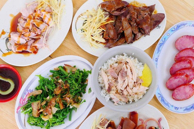 正宗火雞肉飯:嘉義人推台中最好吃雞肉飯 一碗只要25元味香肉嫩平價好味道!