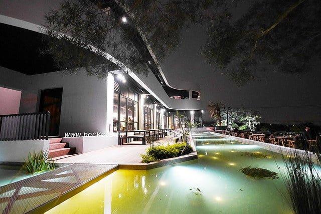 【台中龍井】綠朵休閒農場:純白色鋼琴外觀建築,可以同時觀賞日落和夜景,台中近期超夯打卡景點,也是遛小孩的好地方
