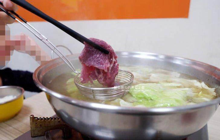2018 03 15 225538 - 大三仙頂級現宰牛肉湯-多人直接點牛肉爐.一個人來也方便點.現炒加肉燥飯加一碗牛肉湯