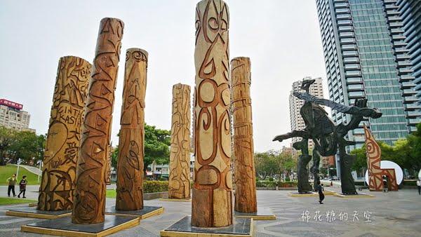 2018 03 21 094924 - 國立美術館被外星人佔據了?!五層樓高巨型雕塑被巨木圍繞好像電影場景!吳炫三回顧展