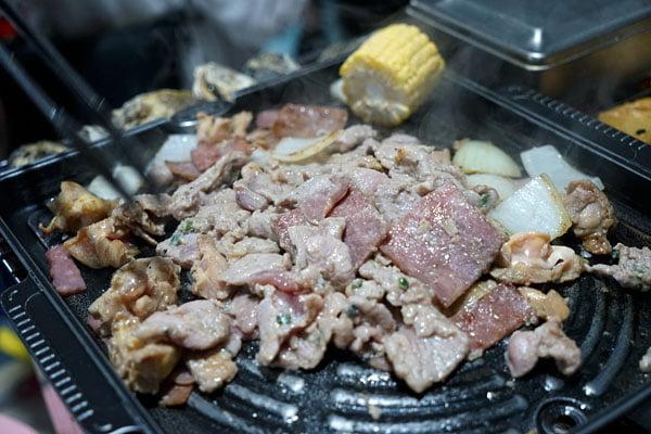 2018 07 12 222333 - 澎湖吃到飽餐廳│一品無煙燒烤380牡蠣海鮮肉品吃到飽,澎湖BBQ市區也有