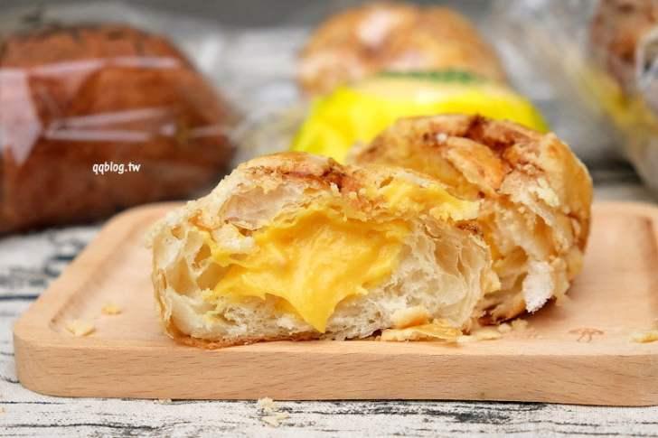 2018 08 23 115524 - 北屯麵包店︱吉爾斯手作烘焙 麵包.菠蘿流沙香甜有奶香會爆漿,真材實料的手作麵包推薦