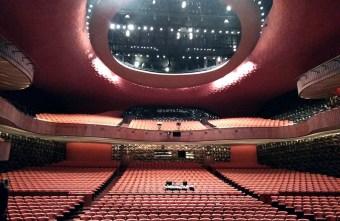 2018 08 27 102037 - 劇場導覽-劇場大冒險|臺中國家歌劇院 大劇場舞台的奇幻旅程 感受暴雪極光月光森林瞬間變換的驚奇