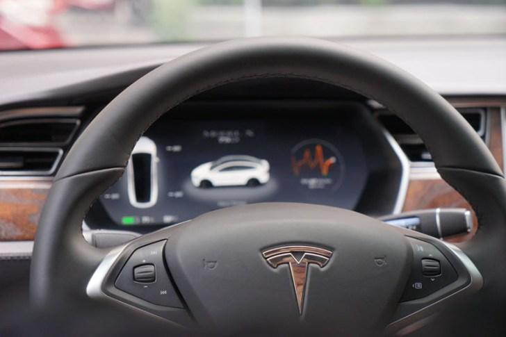 2018 08 30 221738 - 台中特斯拉電動車免費試駕心得│可以自動駕駛、自動倒車入庫真是太扯了