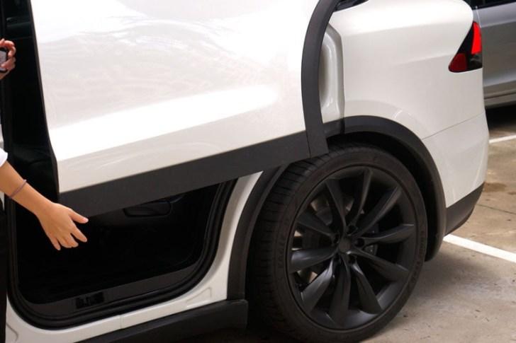 2018 08 30 221846 - 台中特斯拉電動車免費試駕心得│可以自動駕駛、自動倒車入庫真是太扯了