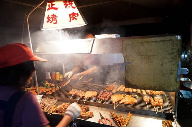 2018 09 15 171816 - 烏日觀光夜市│正統烤肉一周營業三天,每天都不同人烤