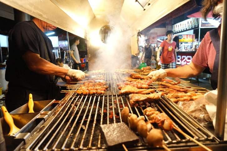 2018 09 15 171823 - 烏日觀光夜市│正統烤肉一周營業三天,每天都不同人烤