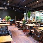 斐得蔬食│國美館商圈美食,用餐區讓人喜愛的木質調和綠意