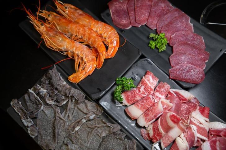 2019 05 28 094123 - 川囍紅湯串串鍋讓你三種湯底一次滿足,食材用串的台南麻辣火鍋