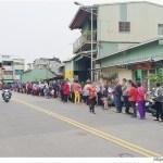 東區15元肉粽在這裡~開賣前一小時排隊破百人,扯翻天!!