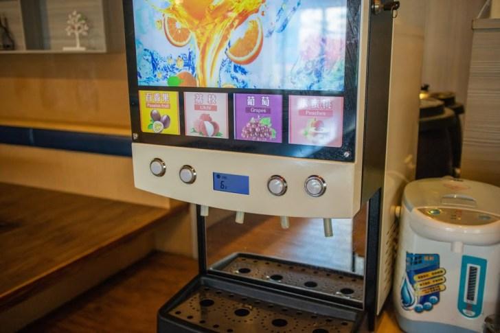 2019 10 04 021530 - 熱血採訪 | 台南披薩炸雞吃到飽、飲料冰淇淋無限享用,用餐時間人潮滿滿!