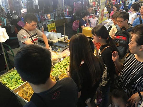 2019 10 10 221936 - 平日6點逛大慶夜市,經過有排隊的攤位懶人包紀錄