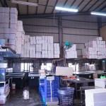 裕泰海產台中海鮮批發商,就在環中路鐵皮屋內,各類海鮮樣式俱全