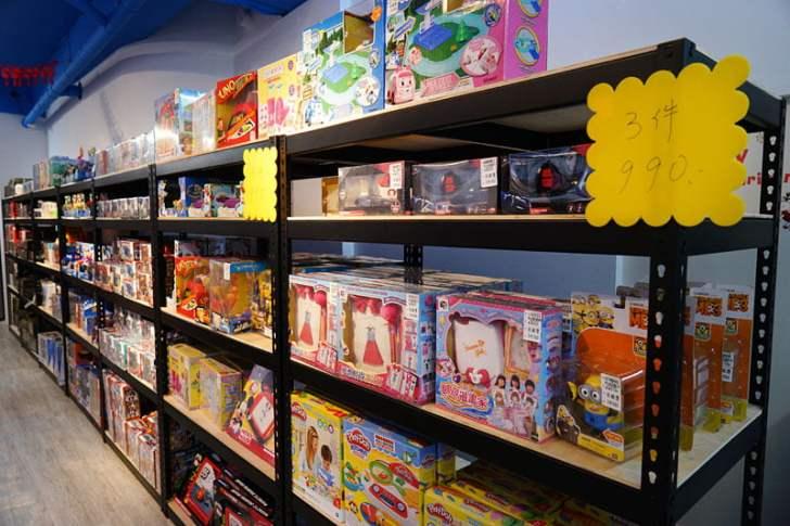 2019 12 13 012800 - 熱血採訪│台中首間包裝NG玩具專賣店新開幕,藏匿在市區地下室的2kids