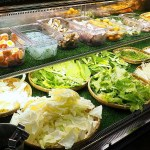熱血採訪 | 開放式野菜吧任你夾,論石間鍋物好肉配好菜,20多樣小農蔬菜天天配送!
