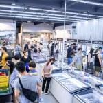 熱血採訪|台中最大海鮮超市!泰國蝦超便宜,烤肉串燒通通買的到!
