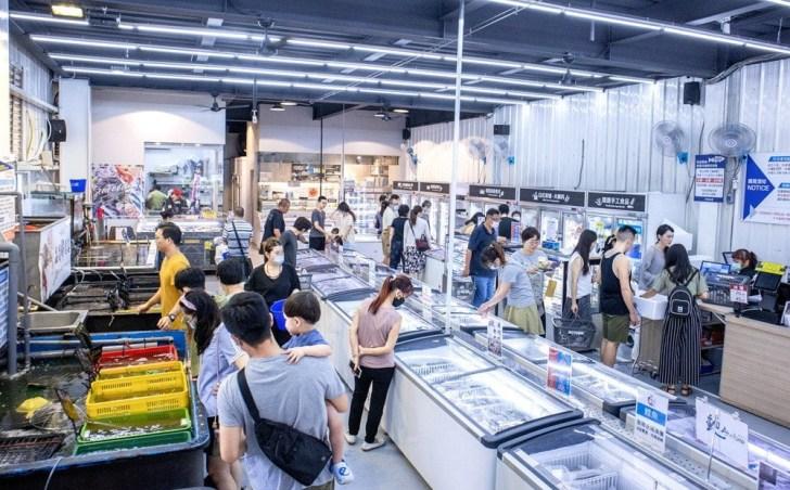 2020 09 14 001936 - 熱血採訪 台中最大海鮮超市!泰國蝦超便宜,烤肉串燒通通買的到!