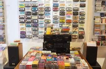 2020 12 22 164055 - 全台唯一卡帶專賣店!感傷唱片行,聽著復古卡帶音樂配菠蘿油,沈浸在舊時光~