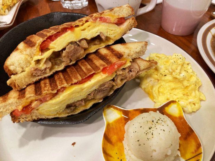 2020 12 28 225859 - 北區早午餐|鄰近科博館的豆吉小舖,無濾豆漿口味多達15種,還有店貓作陪吃早餐