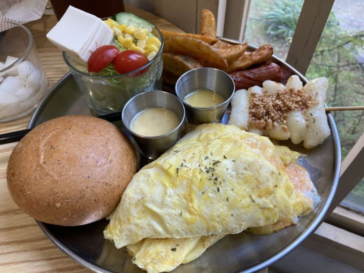2021 01 29 000243 - 北區早午餐 鄰近中國醫懂滋咚吃早午餐,多種大份量韓式料理,就選部隊鍋當早餐吧!