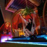 熱血採訪|台中最夯空中夢幻泡泡屋,SOAK Taichung泳池主題派對,下班小酌就約這!