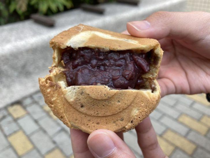 2021 03 31 220727 - 西屯市場古早味紅豆餅,薄皮餡多傳統老味道,價格親民1個5元超便宜