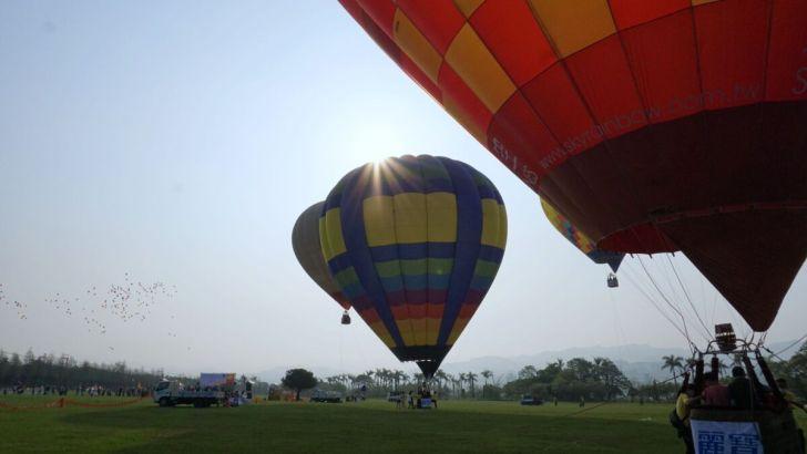 2021 04 02 232901 - 台中也有熱氣球!繽紛療癒好好拍,還可體驗熱氣球繫留,從天空俯視整座城市