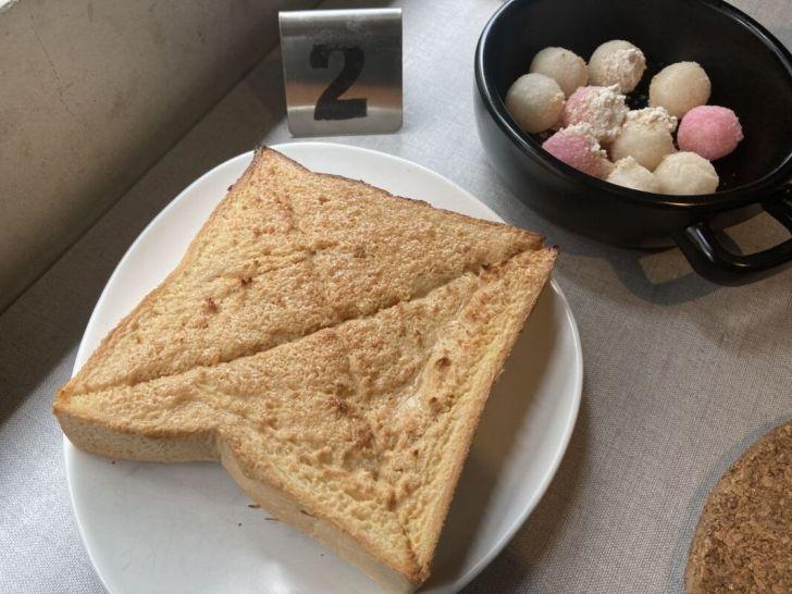 2021 04 27 005535 - 白色系人氣morni早午餐店,早餐就吃讚岐烏龍麵,還有現點現炸小湯圓