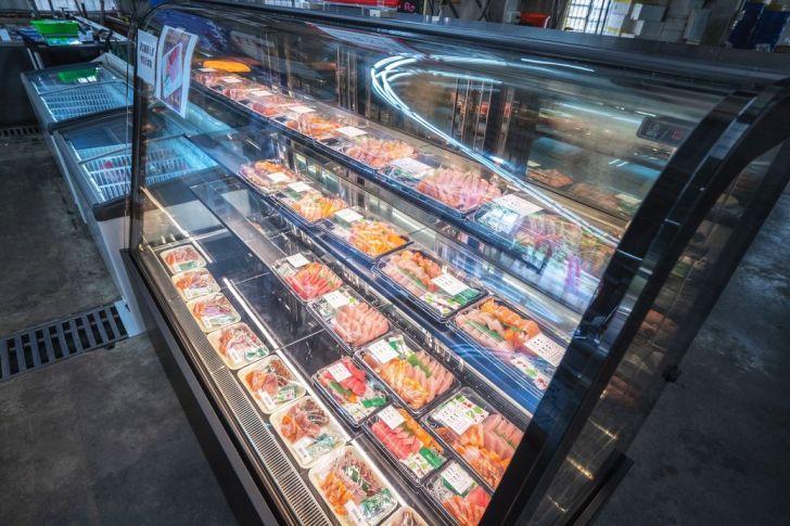 2021 09 02 212940 - 熱血採訪|台中海產超市重新裝潢,歡慶開幕消費滿千就送三色生魚片,無限累加