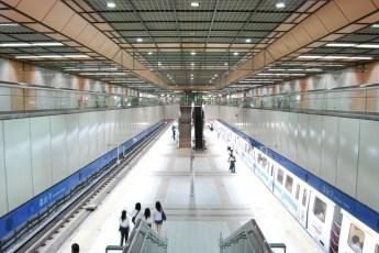 metro-longshan-temple-station-01