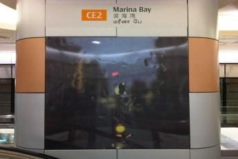graphic-signage-marina-bay-mrt-station-05